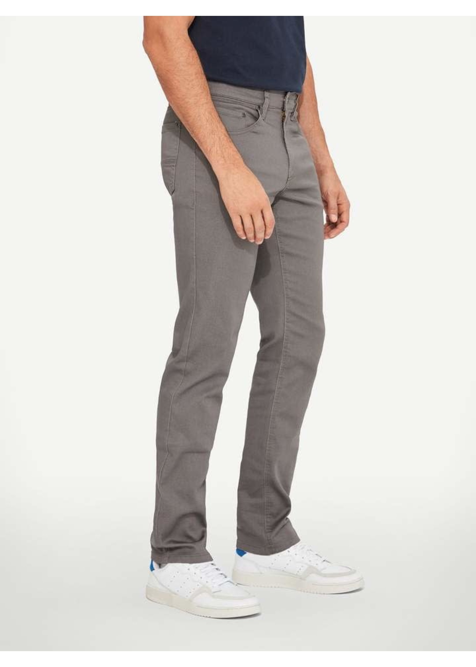"""Lois Jeans Canada The """"Brad Slim 6240-04"""" by Lois Jeans"""