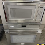 10147 Lighlty Used Frigidair/Electrolux Built In Microwave/Oven Combo
