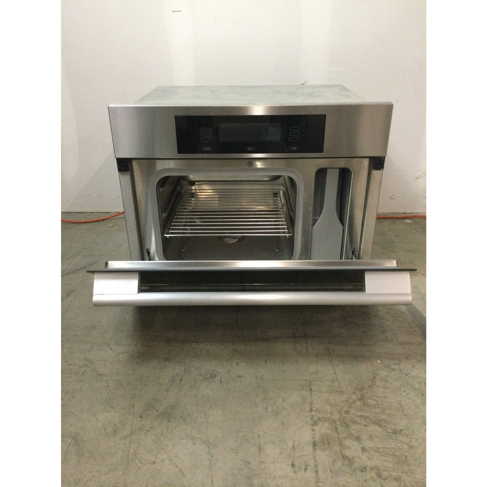 10516 Miele 22-in Steam Oven