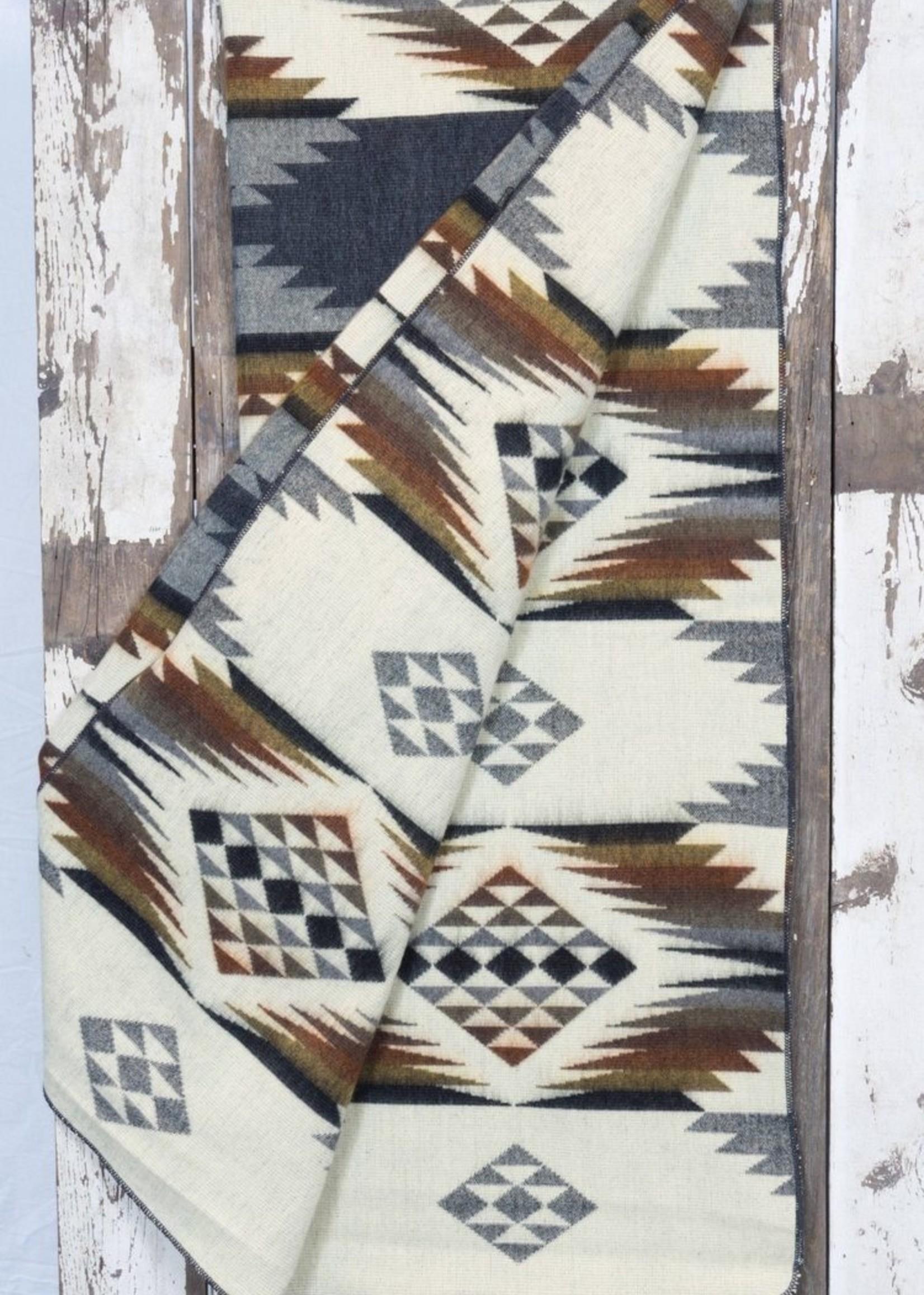 Heartprint Threads Anchor Wayra Blanket | Queen