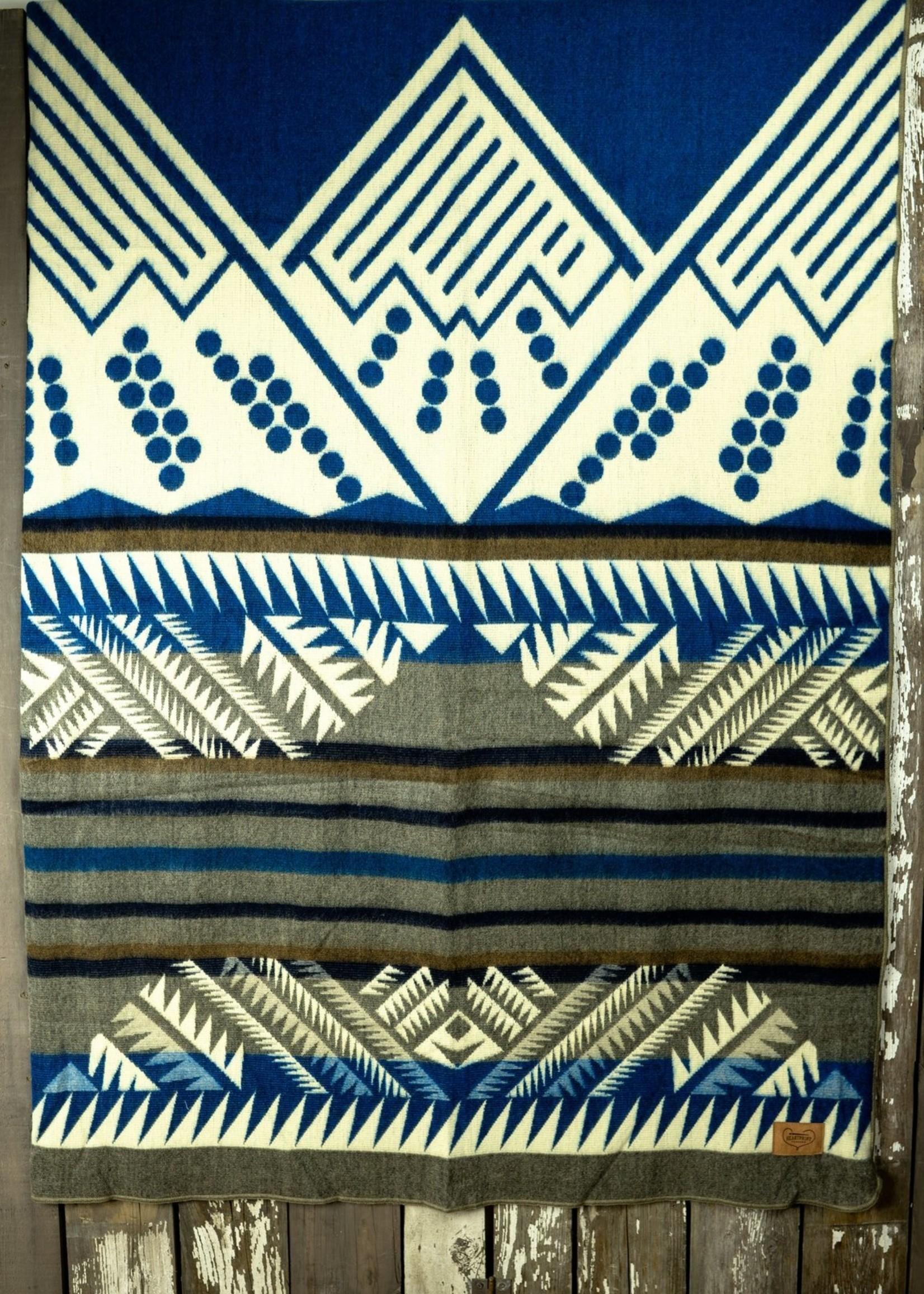 Heartprint Threads Louise Mountain Blanket   Queen