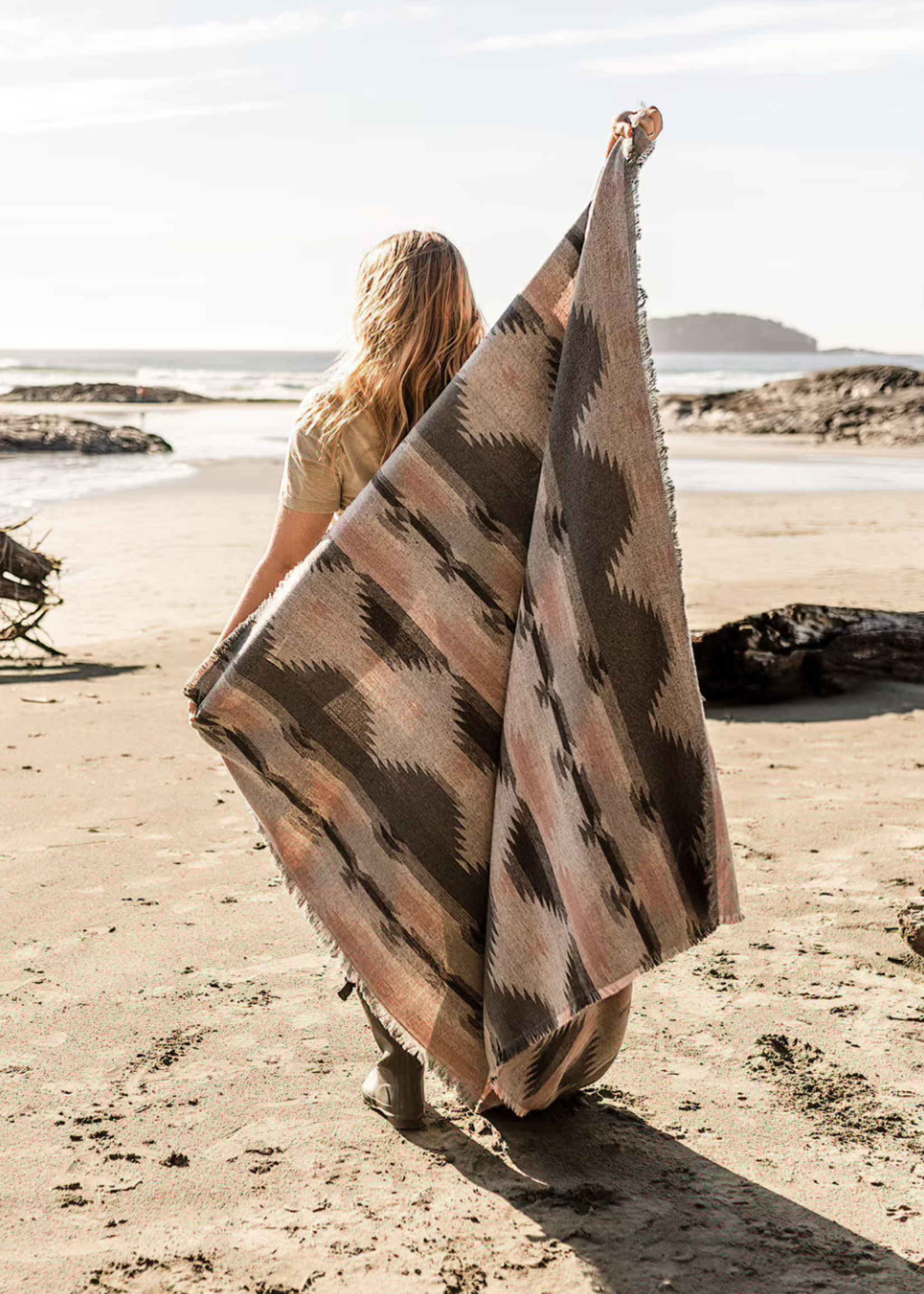 Modest Maverick Tofino Beach Blanket   Dusty Rose