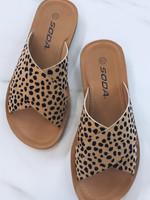 SODA Reflect Sandals | Leopard