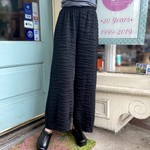 CUT LOOSE CROPPED PANT W/DARTS TEXTURE