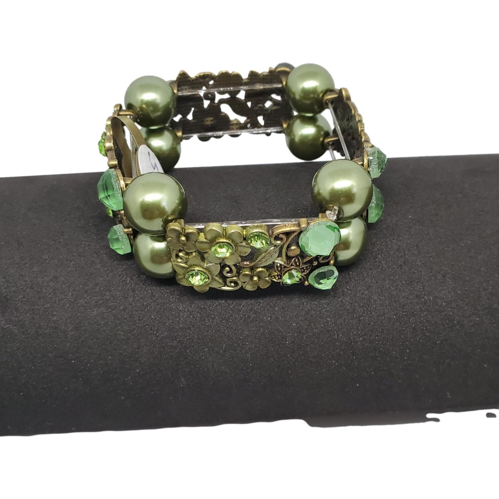 Jewellery by Deborah Young-Groves Green Beads with Floral Pieces Bracelet