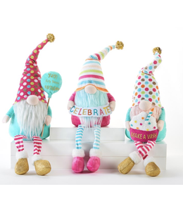 Birthday Gnome Sitter