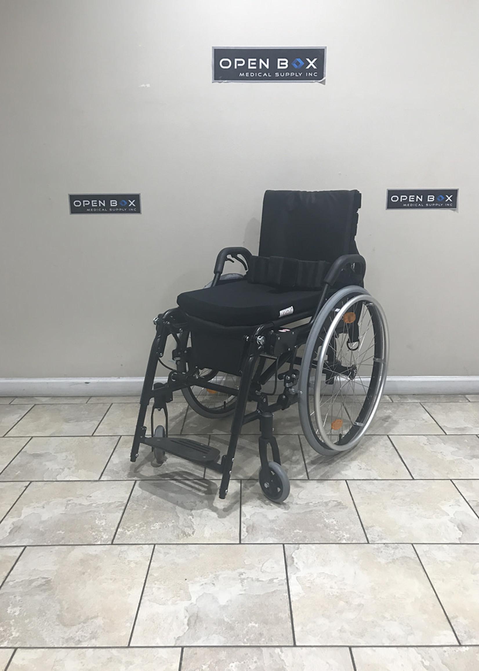 LEVO LEVO LAE Standing Manual Wheelchair