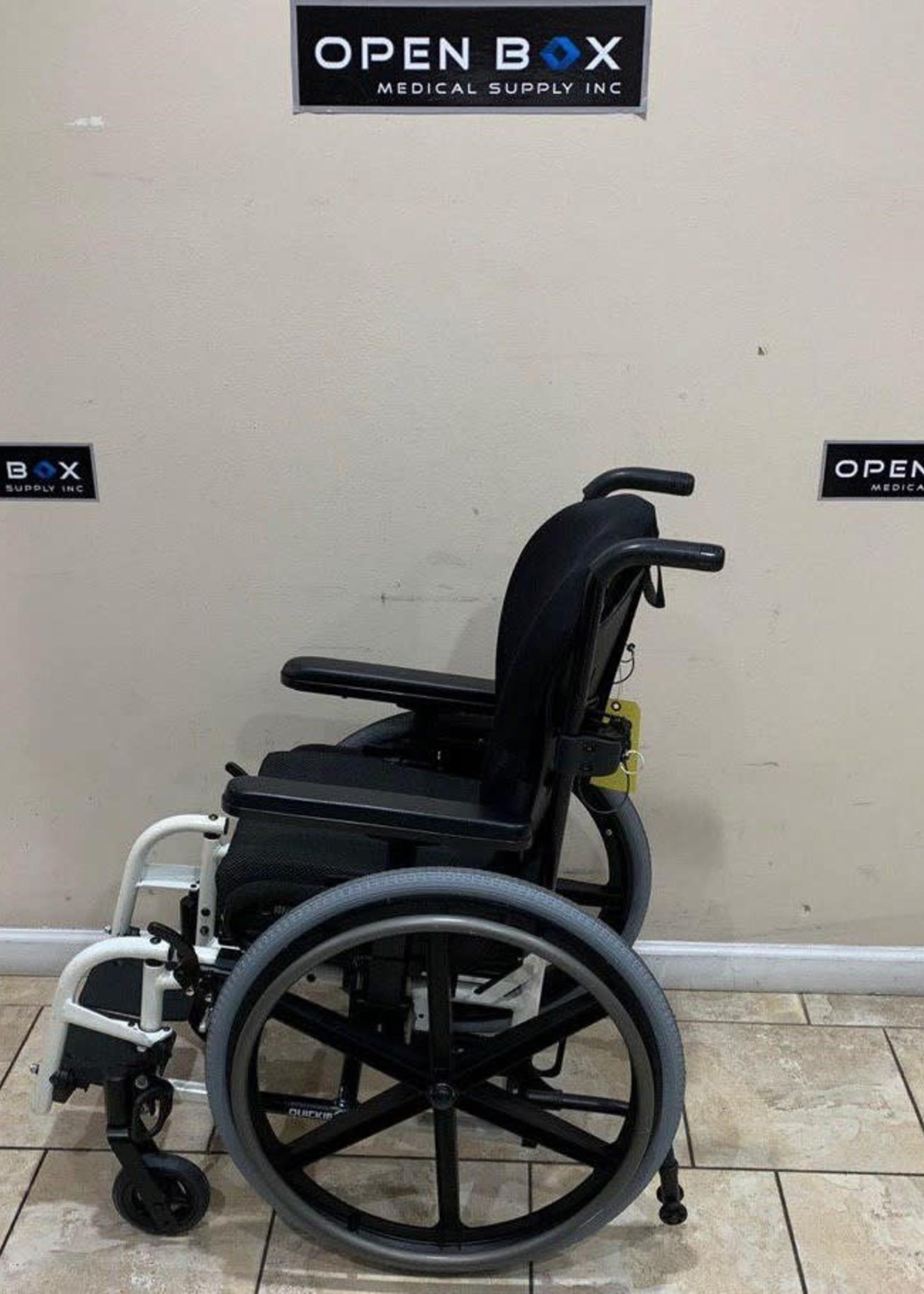 Sunrise Medical Quickie 2 SE Pediatric Manual Ultralight Wheelchair (Used)