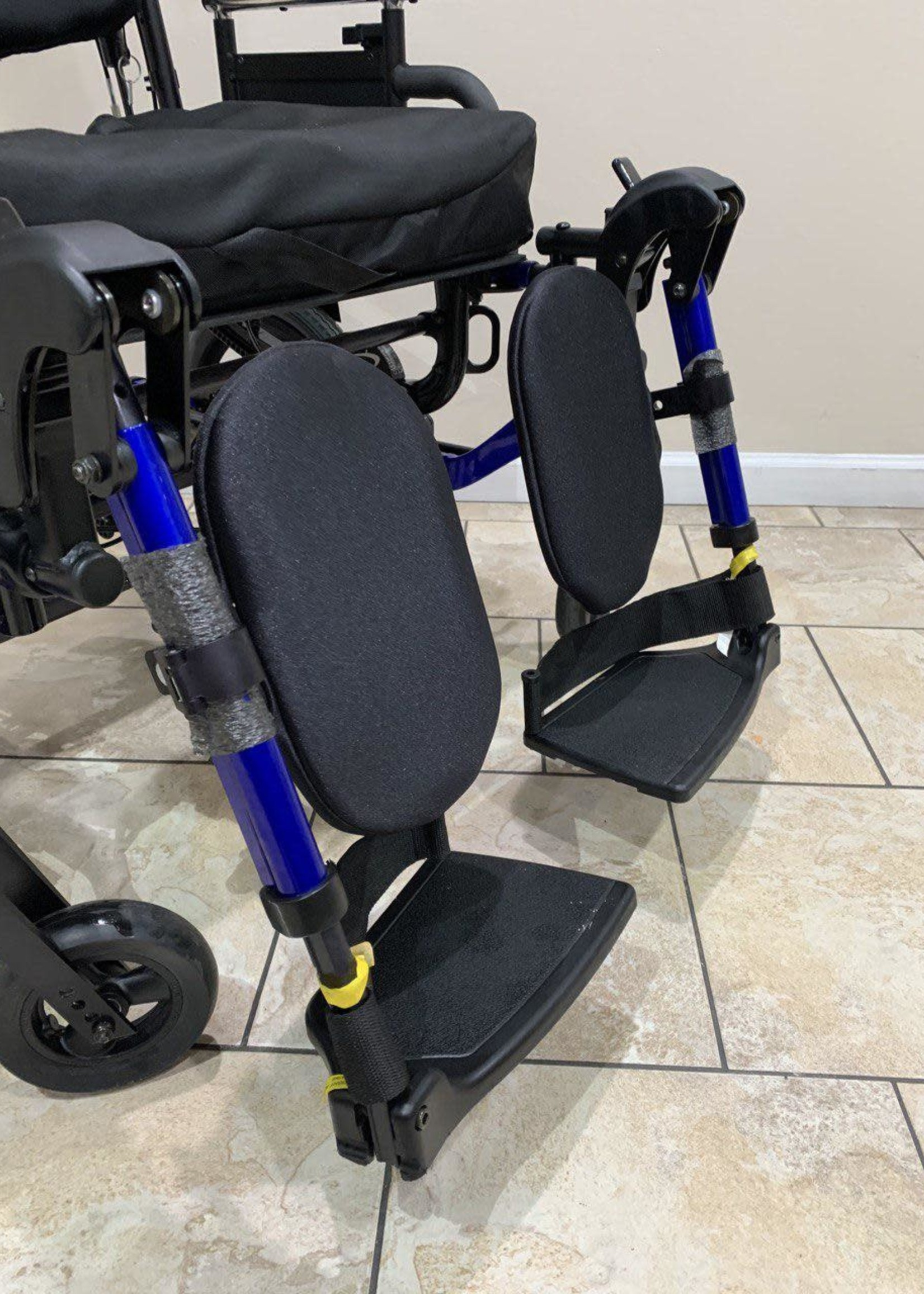 Sunrise Medical Quickie IRIS Tilt-in-Space Heavy Duty Manual Wheelchair (Used)