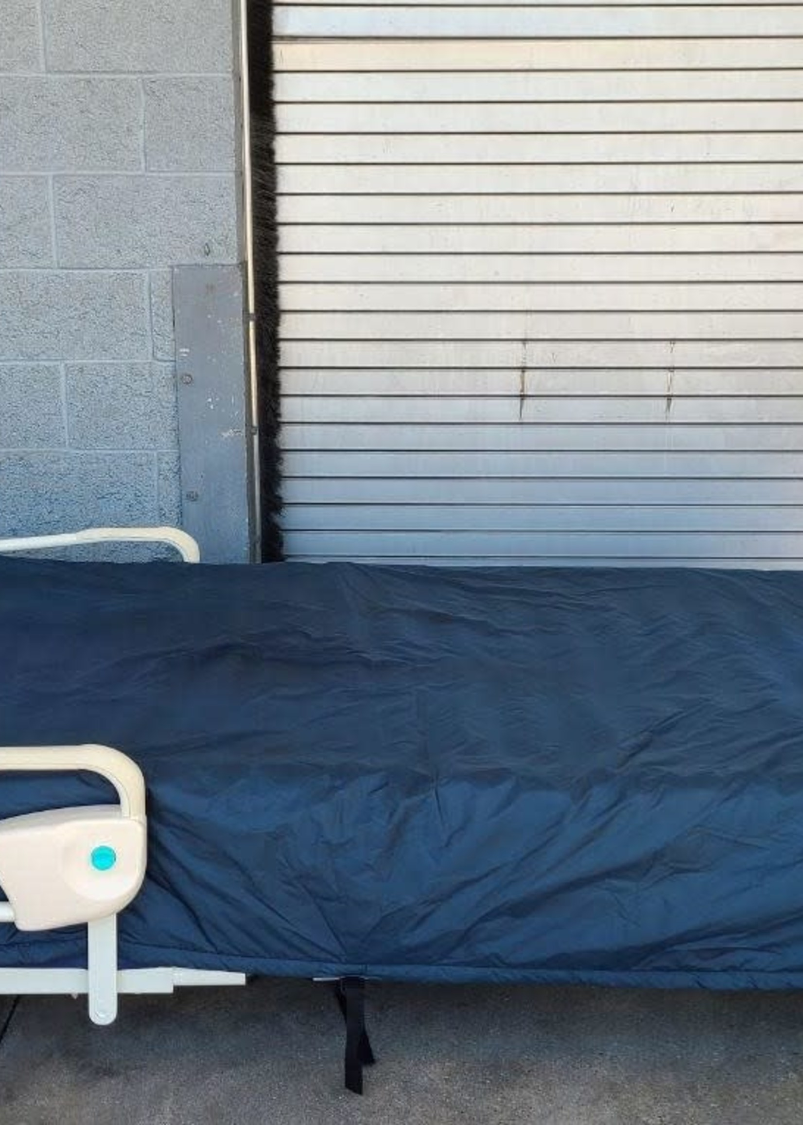 Joerns Joerns Ultra XT Bed and Dolphin Fluid Immersion Simulation Mattress System (Used)