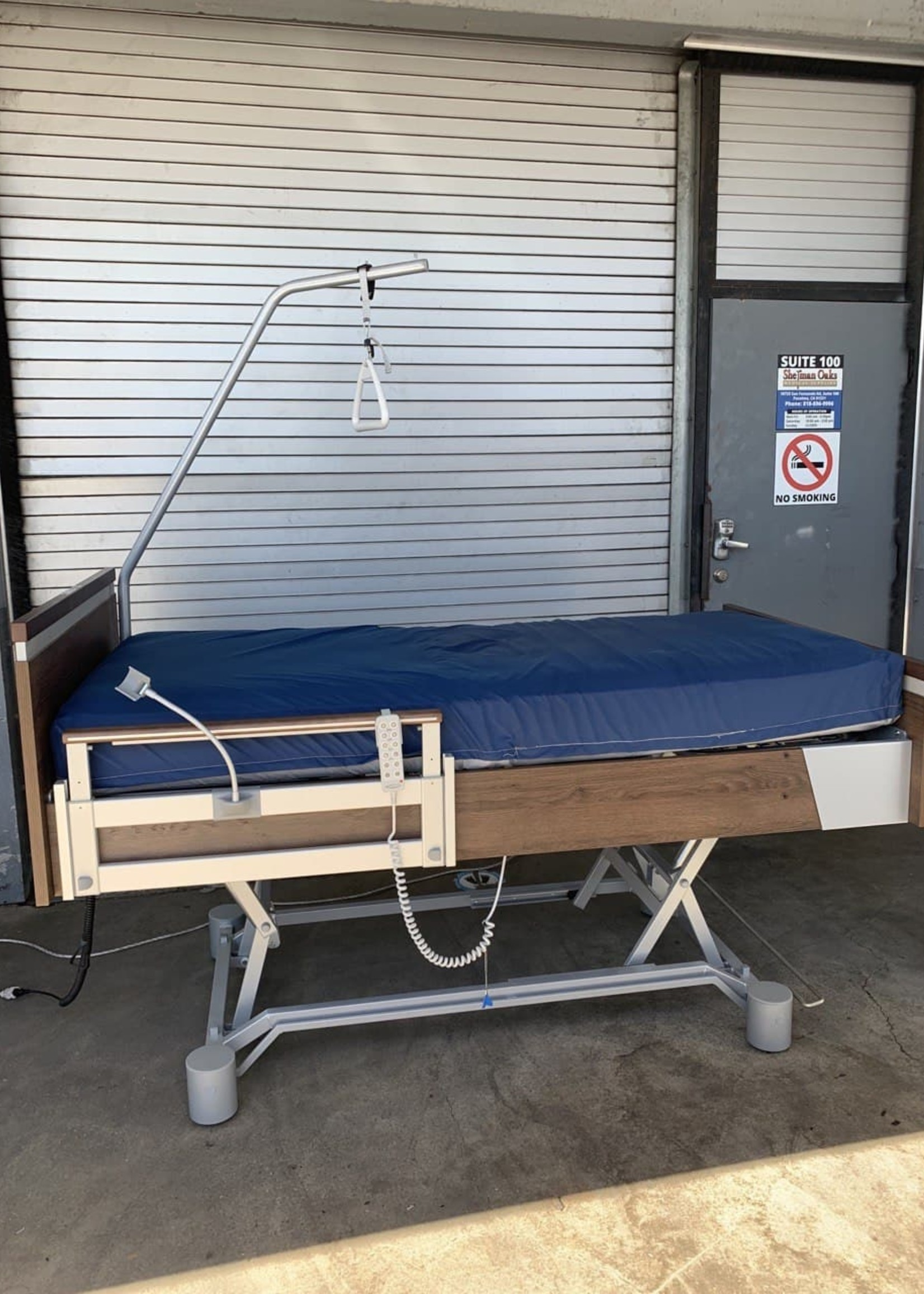 SonderCare Aura Deluxe Hospital Bed (Used)