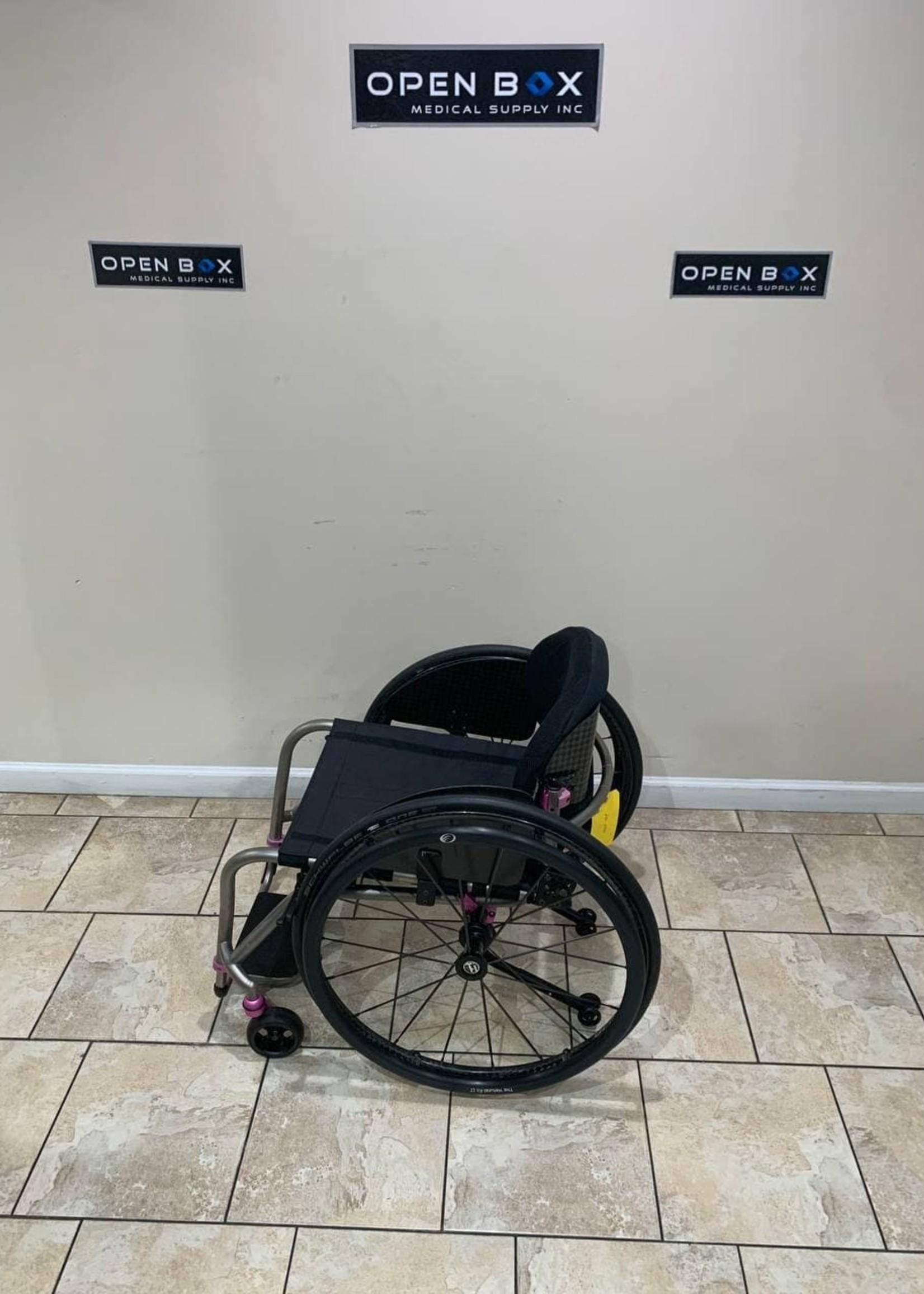 TiLite TiLite TRA Rigid Titanium Wheelchair