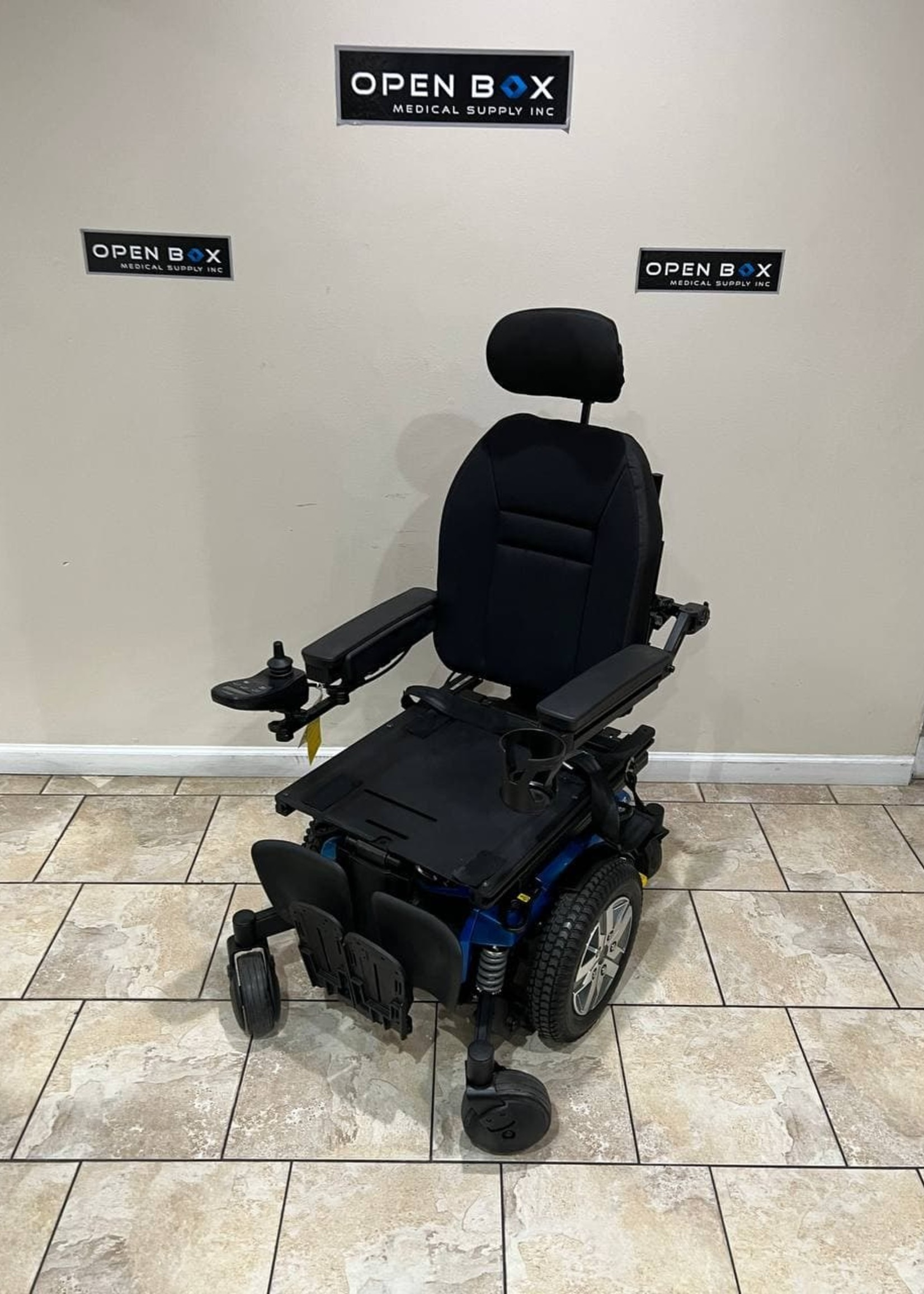 Quantum Rehab Quantum Q6 Edge 2.0 Rehab Electric Wheelchair (Used)