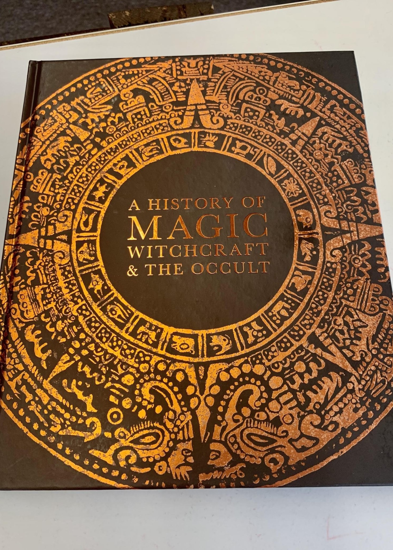 A History of Magic, Witchcraft, and the Occult - DK