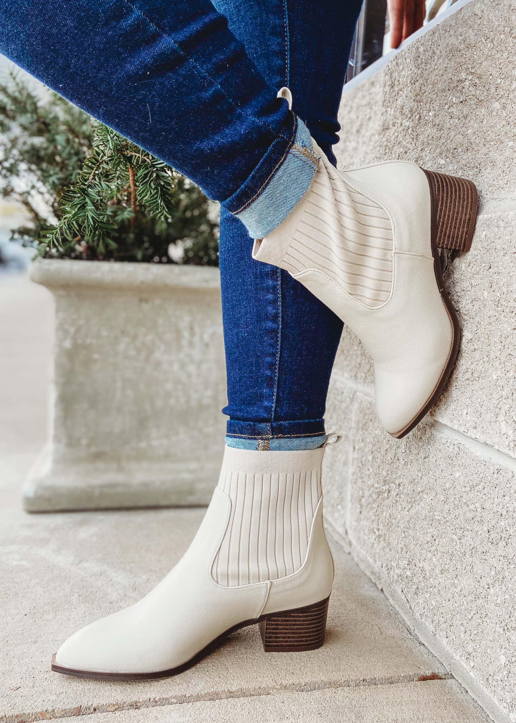 Chinese Laundry Beige Sweater Bootie