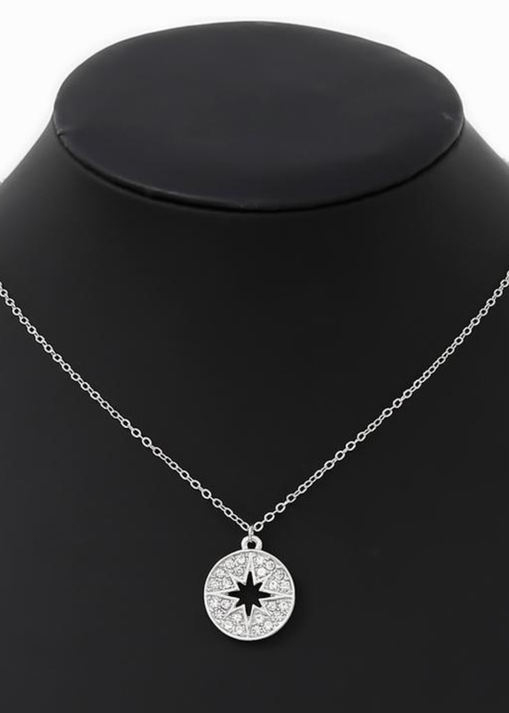 Cutout Star Necklace