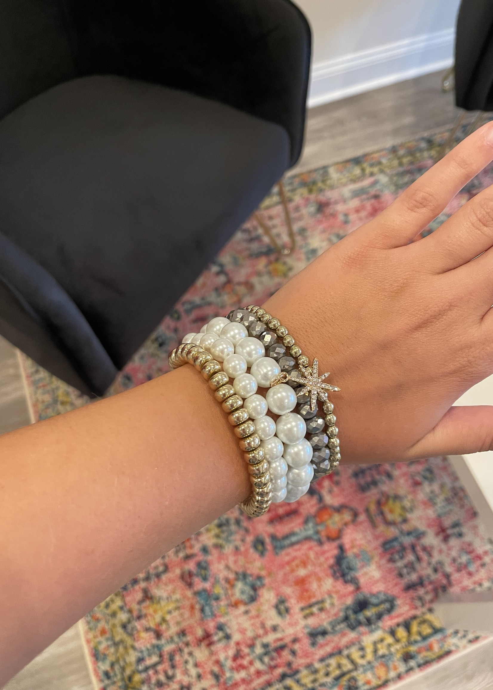 Pearl and Glass Beaded Bracelet