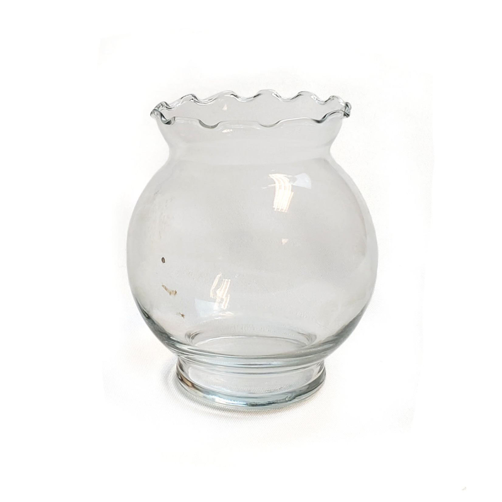 Round Ruffled Vase